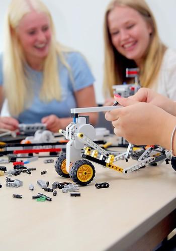 Elever på Teknikprogrammet på Curt Nicolin Gymnasiet i Finspång
