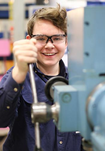 Elev på Industritekniska programmet på Curt Nicolin Gymnasiet i Finspång