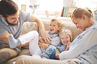Sjukförsäkring för hela familjen i Spanien –  Sanitas Más Salud Familias Plus