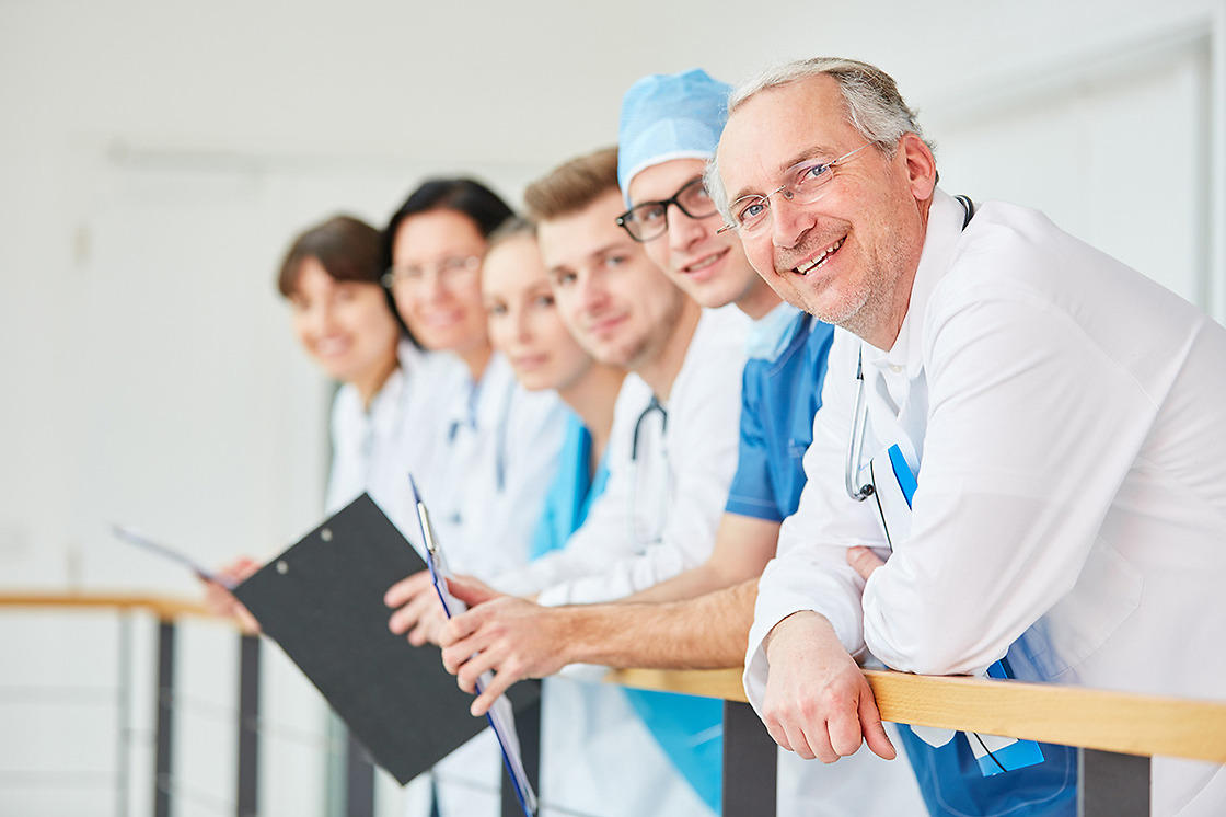 Sjukförsäkring i Spanien – Sanitas Más Salud – Sanitas Estepona