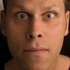 Lasse Nilsen kan bokas genom Funnybones Production